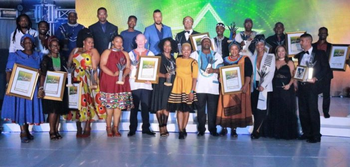 Group-photos-of-some-of-the-winners-at-the-EC-Arts-and-Culture-Awards-with-MEC-Fezeka-Bayeni.-2-702x336.jpg